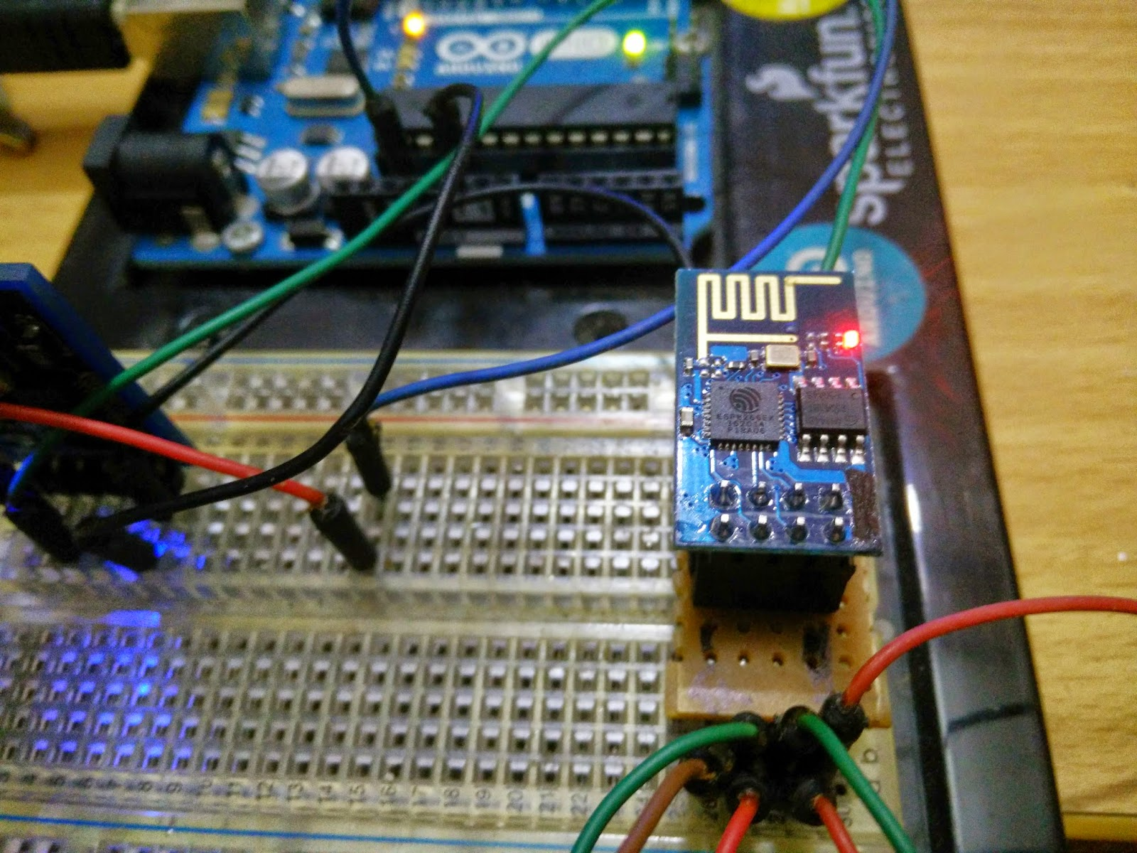 Esp ds b temperature sensor sends data to