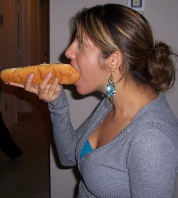 Damn Fun Galleries Girls Eating Hot Dogs