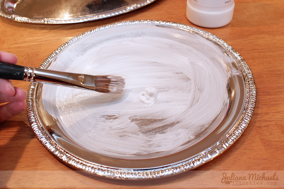Painting tray with white acrylic gesso