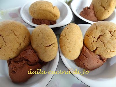 biscotti al burro di arachidi e ganache al cioccolato
