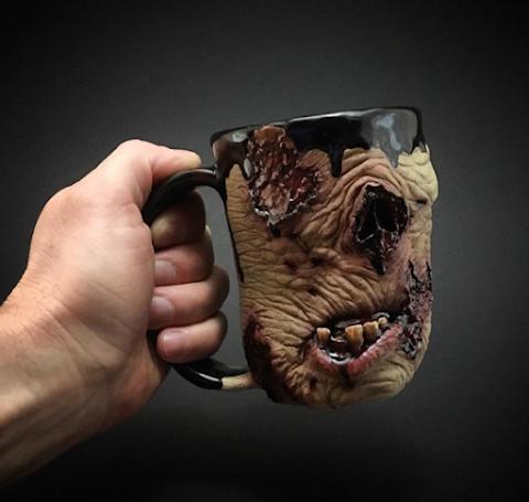 Tazas artesanales al estilo The Walking Dead para tomar tu café y no estar tan zombie