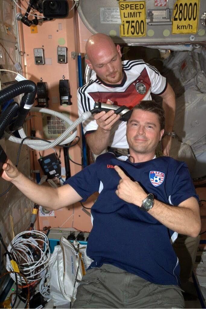 AS Kalah dari Jerman di Piala Dunia, Astronot Ini Digunduli
