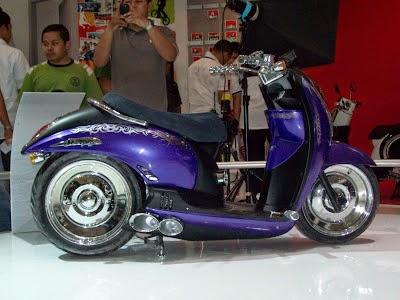 Modifikasi Ekstrim Motor Honda Scoopy
