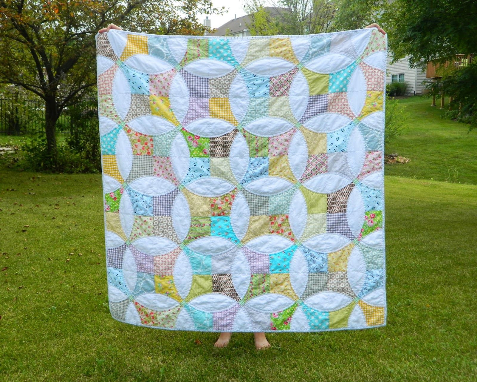 http://sotakhandmade.blogspot.com/2014/08/flowering-snowball-finished-quilt.html