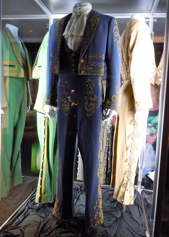 Don Diego Zorro TV costumes