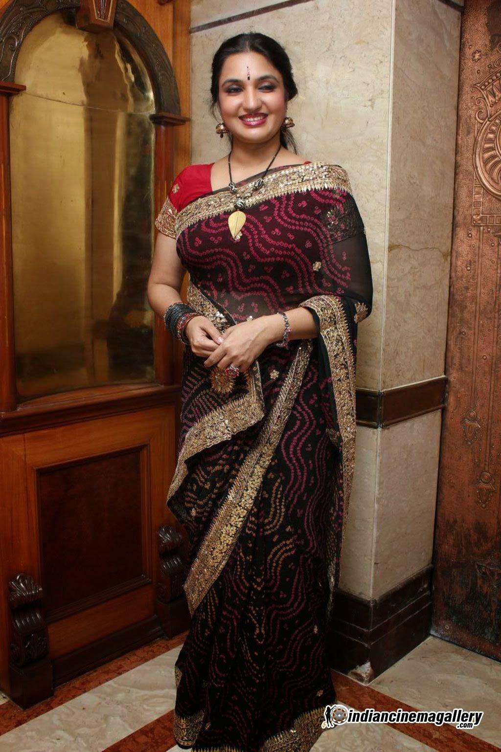 femdom saree stories blouse