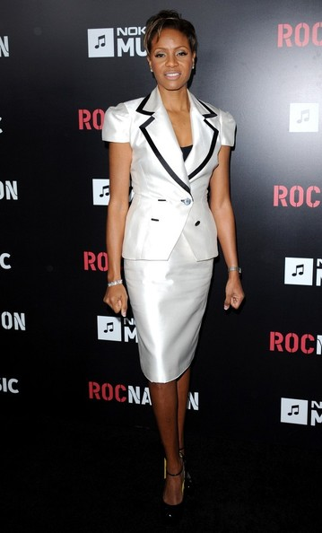 Mrs L Leg Show http://www.zimbio.com/Beyonce+Knowles/articles/48JO0cDs9lX/Roc+Nation+Pre+Grammy+Brunch+Arrivals