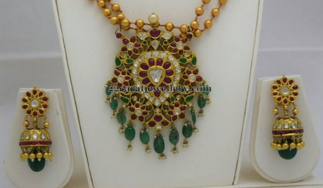Antique Kundan Floral Locket