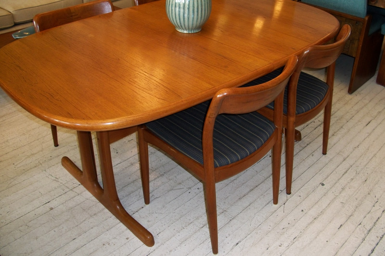 an orange moon d scan solid teak dining room table 4 chairs