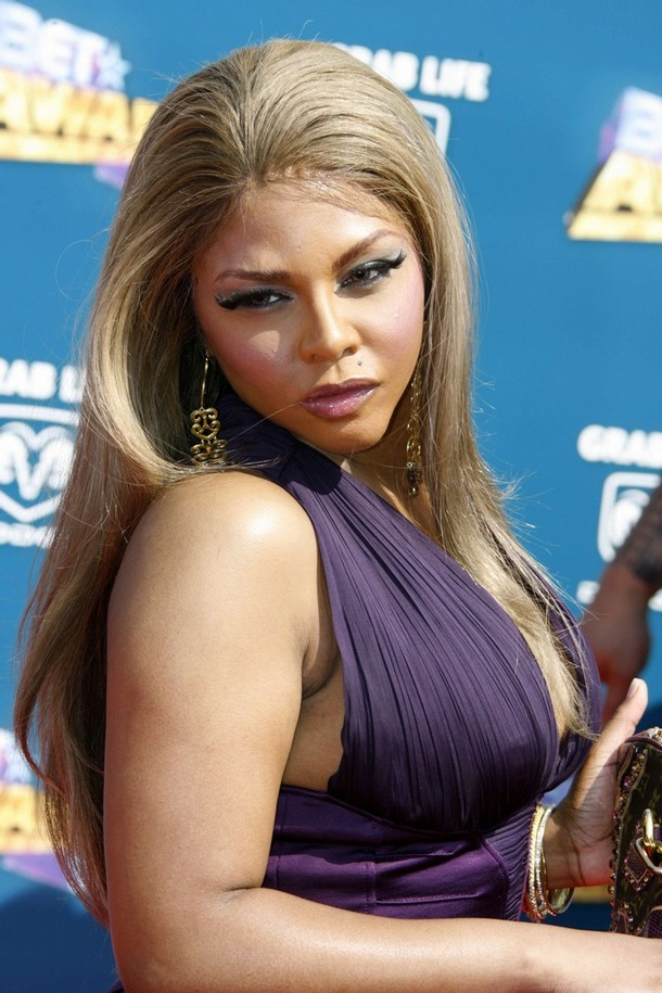 Lil Kim Has Had A Ridiculous Amount Of Plastic Surgery , Including
