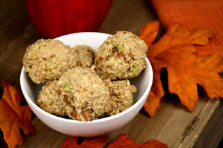 cinnamon-apple-energy-balls