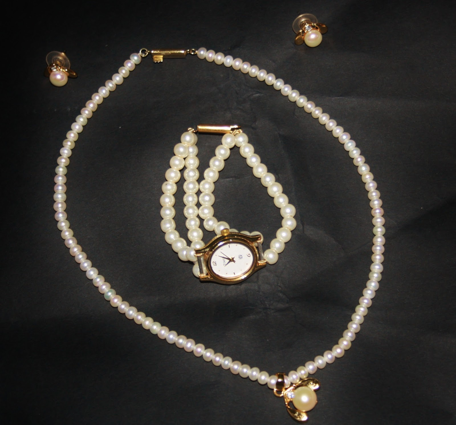 pearl baroque off necklaces white round circle sea south necklace pearls types