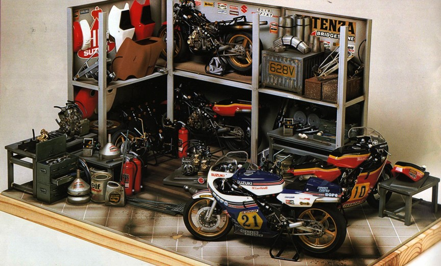 Scale model motorcycle chain