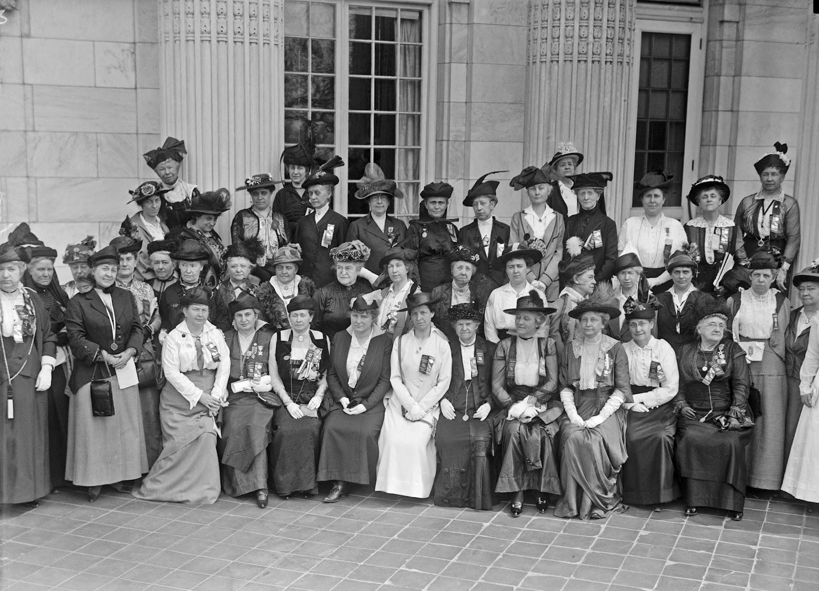 daughters american revolution essays << essay help daughters american revolution essays
