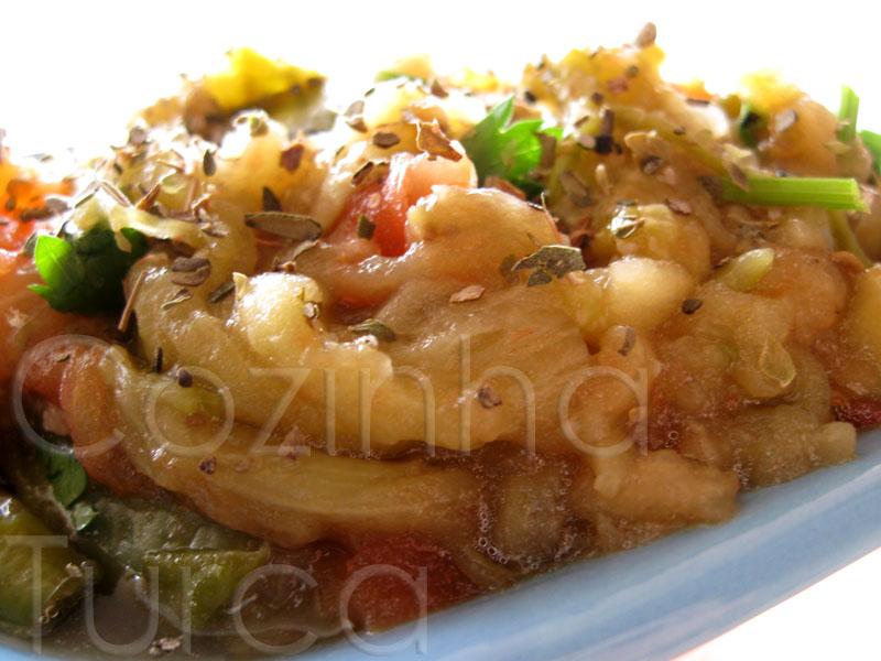 Salada de Beringela (Patlıcan Salatası)