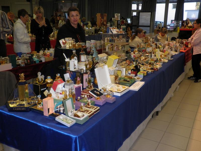 Organisateur du salon du flacon a parfum de milly la foret for Salon parfum