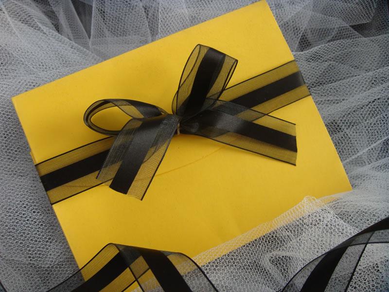 decoracao de casamento na igreja azul e amarelo:Noiva Plugada: Decoração Amarelo e Preto