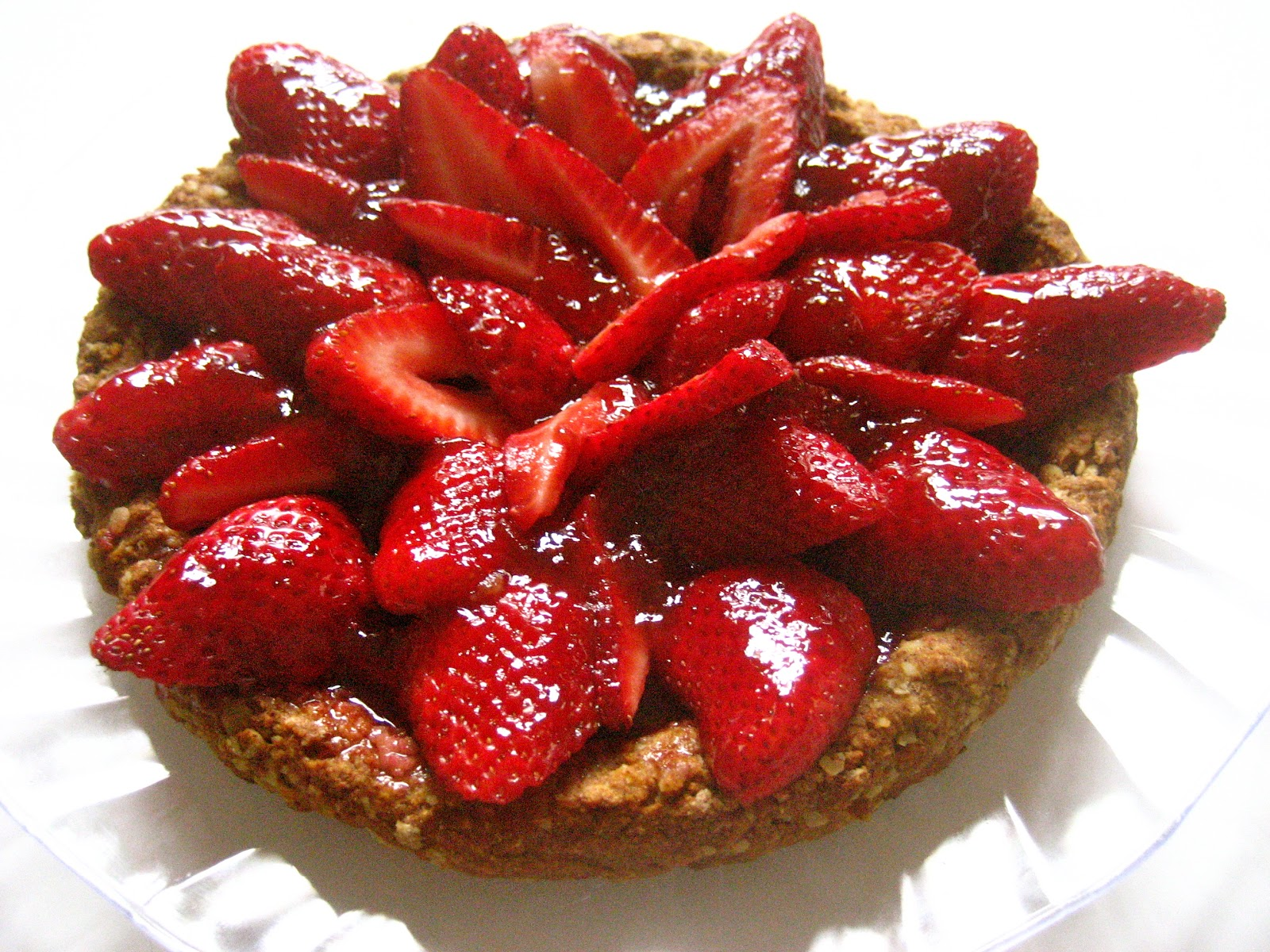 strawberry tart with oat-cinnamon crust