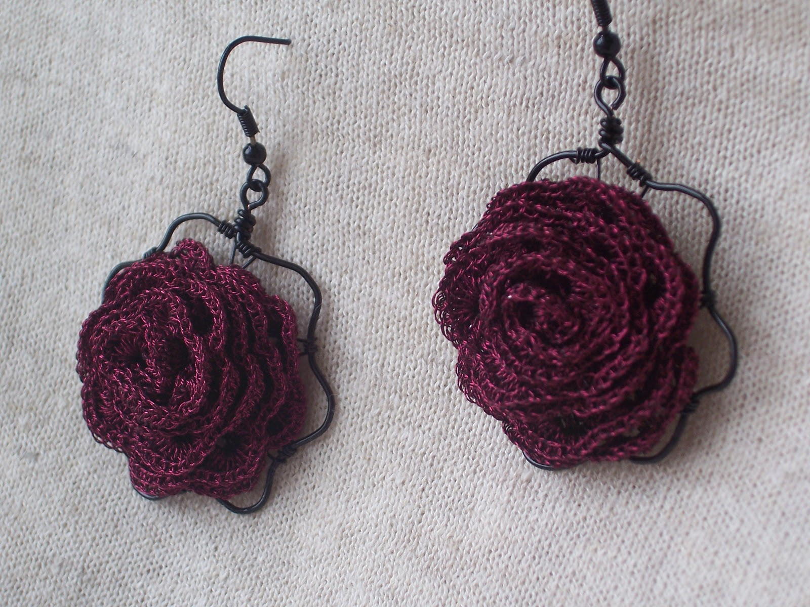 Crochet Earrings : Crochet earrings Dark Roses