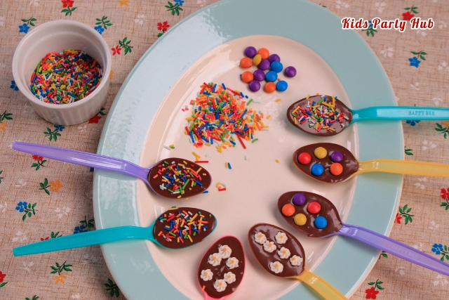 How to Decorate Chocolate Spoons