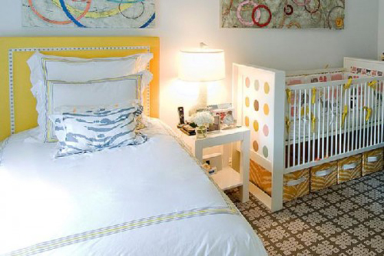 bright home nursery in the master bedroom bebi kutak u spavacoj