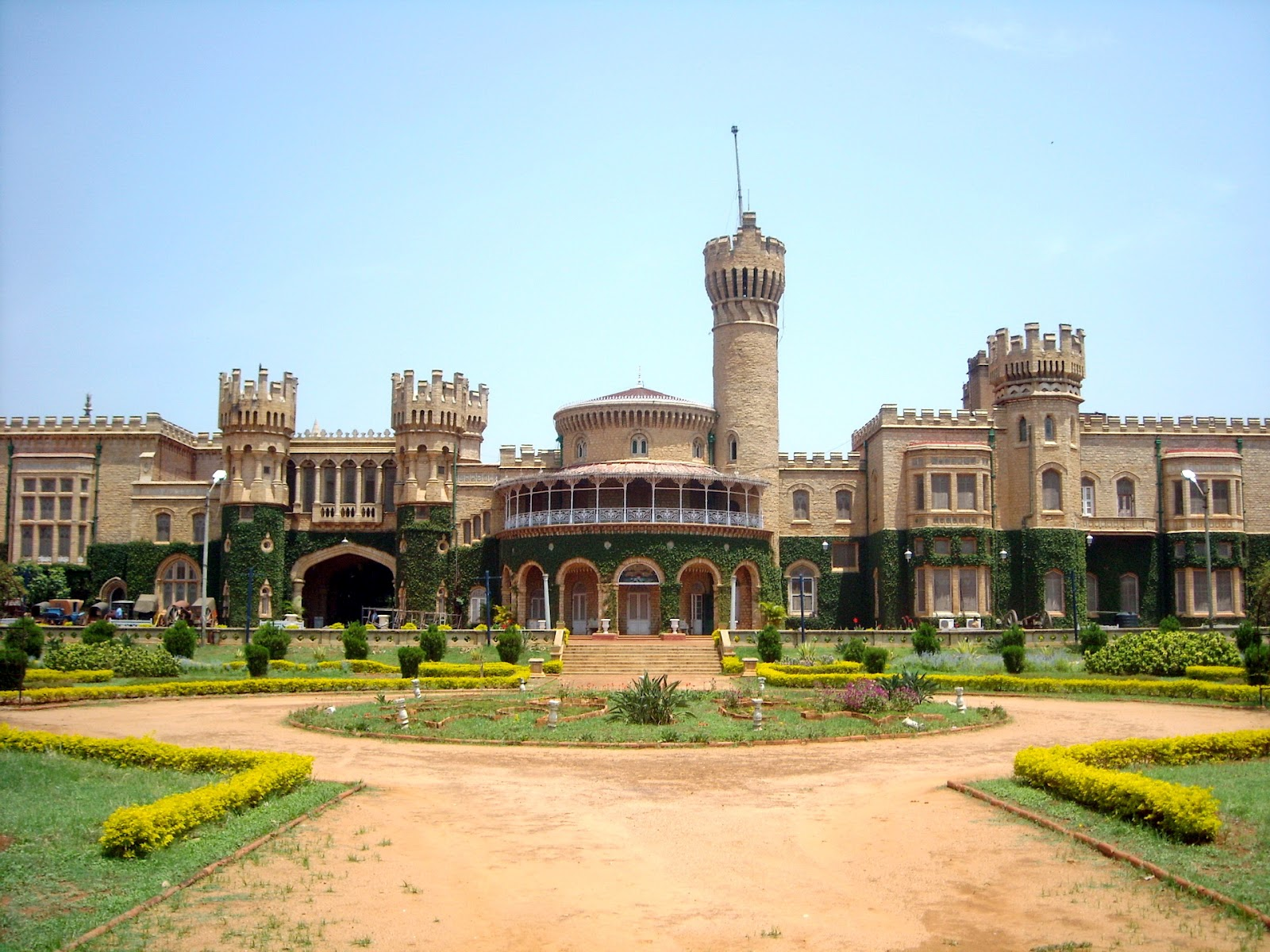 Bangalore Palace Photos