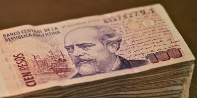 Dinero en efectivo y economia