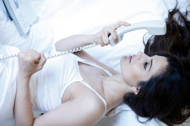amisha patel | wrapped her inside the bedsheet unseen pics