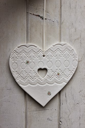 http://www.amanda-mercer.co.uk/home-sweet-home/large-heart-hanging