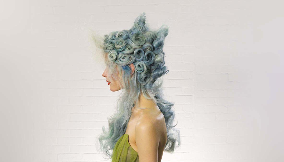 Wella, Trend Vision, pastel, hair, fishtail, neon, mermaid hair, blue, rolls