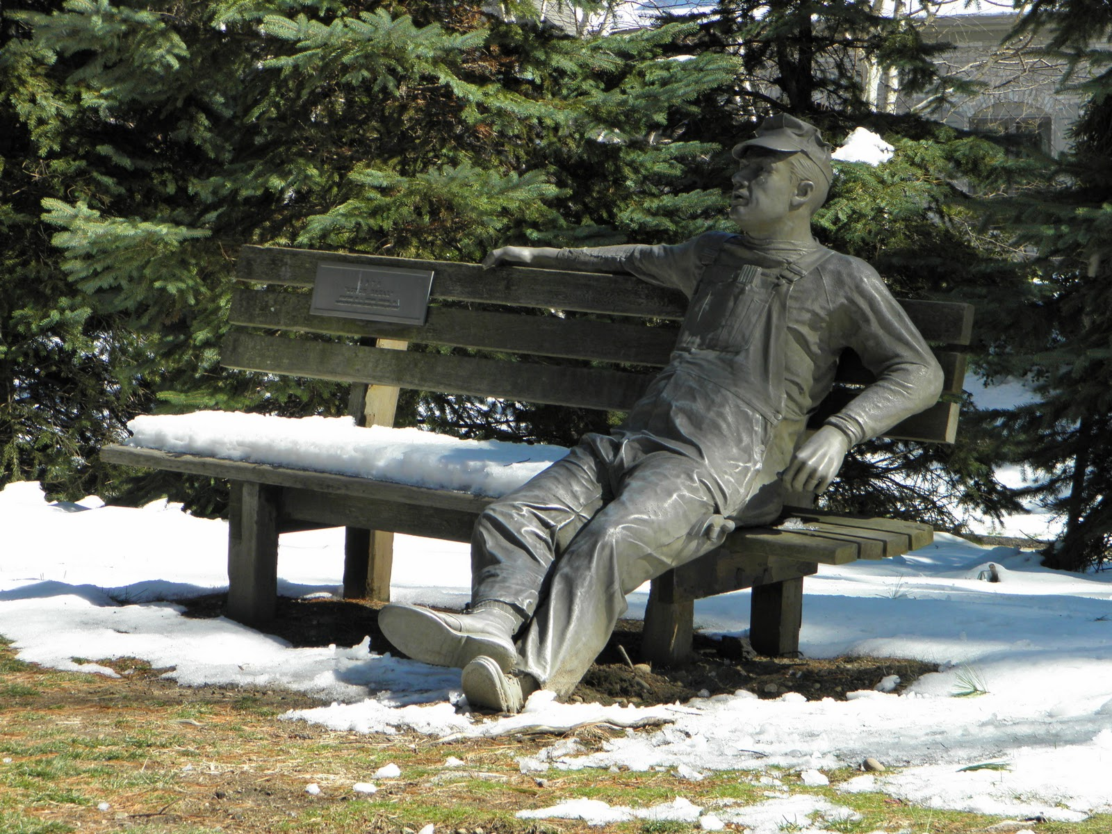 http://2.bp.blogspot.com/-4_37sJ4AZcg/TZkoP-abrUI/AAAAAAAAEQo/PuFurjba_ws/s1600/3-26+man+on+bench.jpg