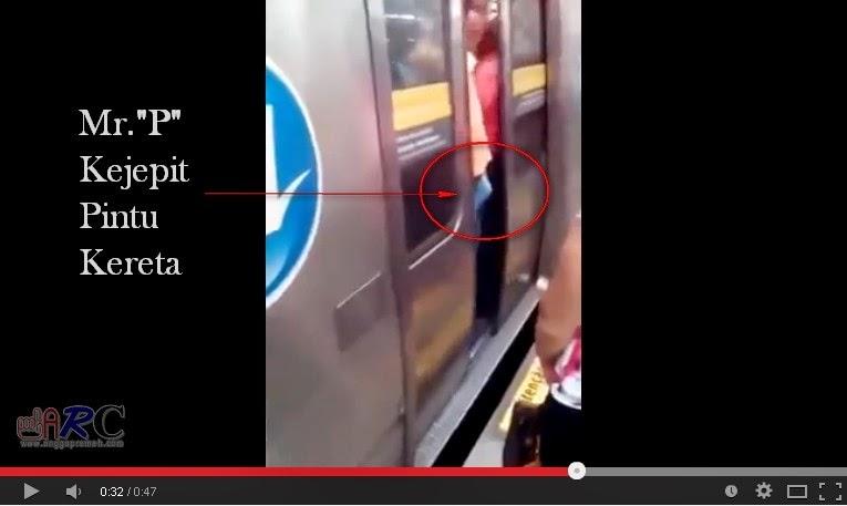 Video NGAKAK Penis Ereksi Terjepit Pintu Kereta