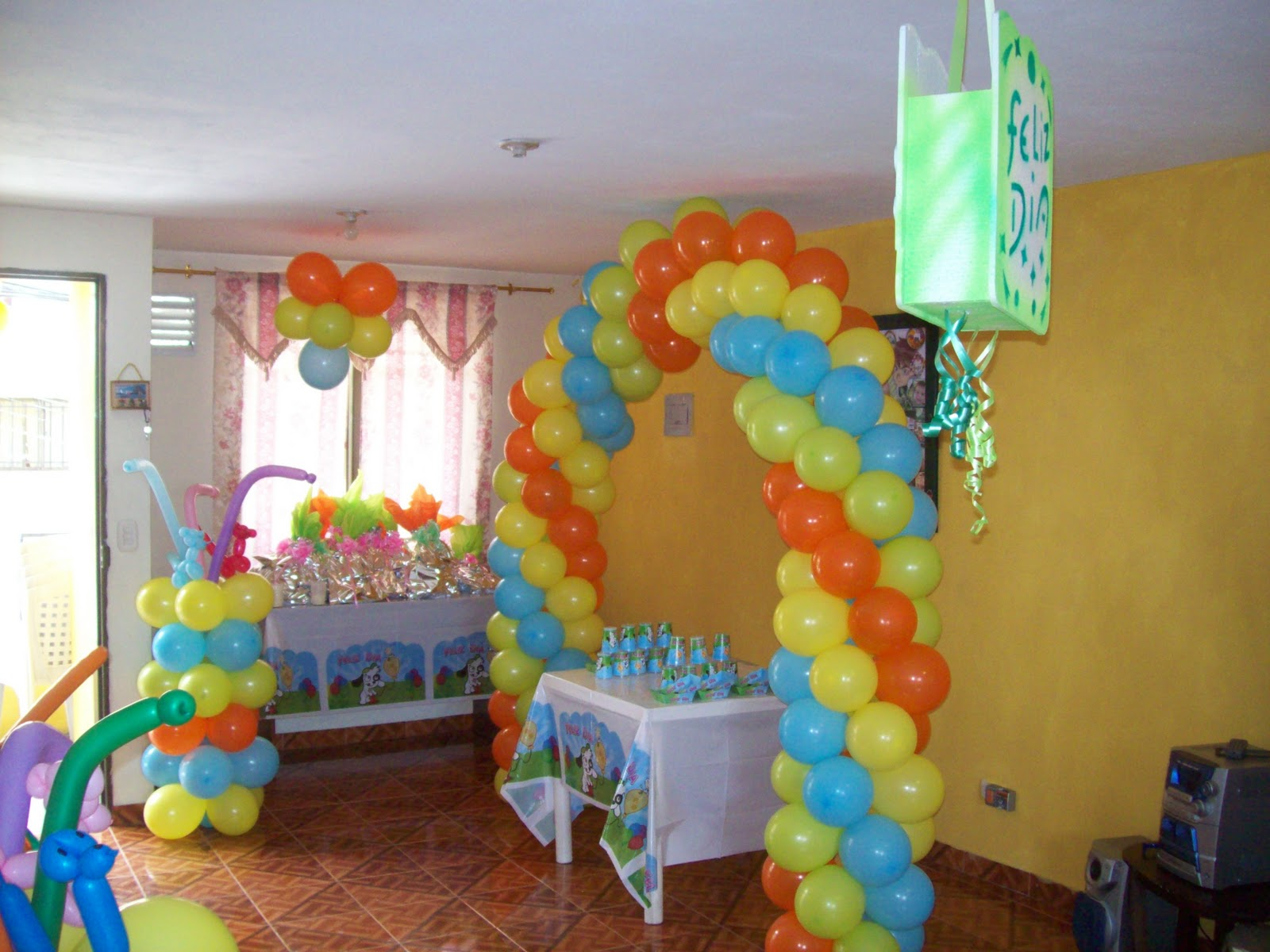 Decoracion arcos con globos recreacionistas medellin y - Arreglos fiestas infantiles ...