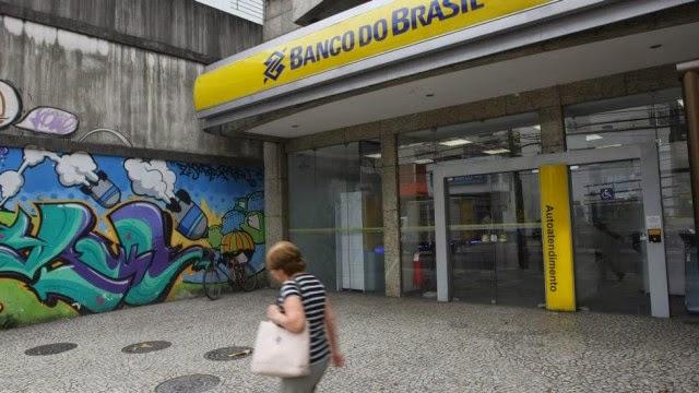Cliente que tinha R$ 1 como limite no cartão de crédito será indenizada por banco