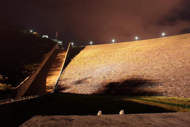 三国川ダム近景
