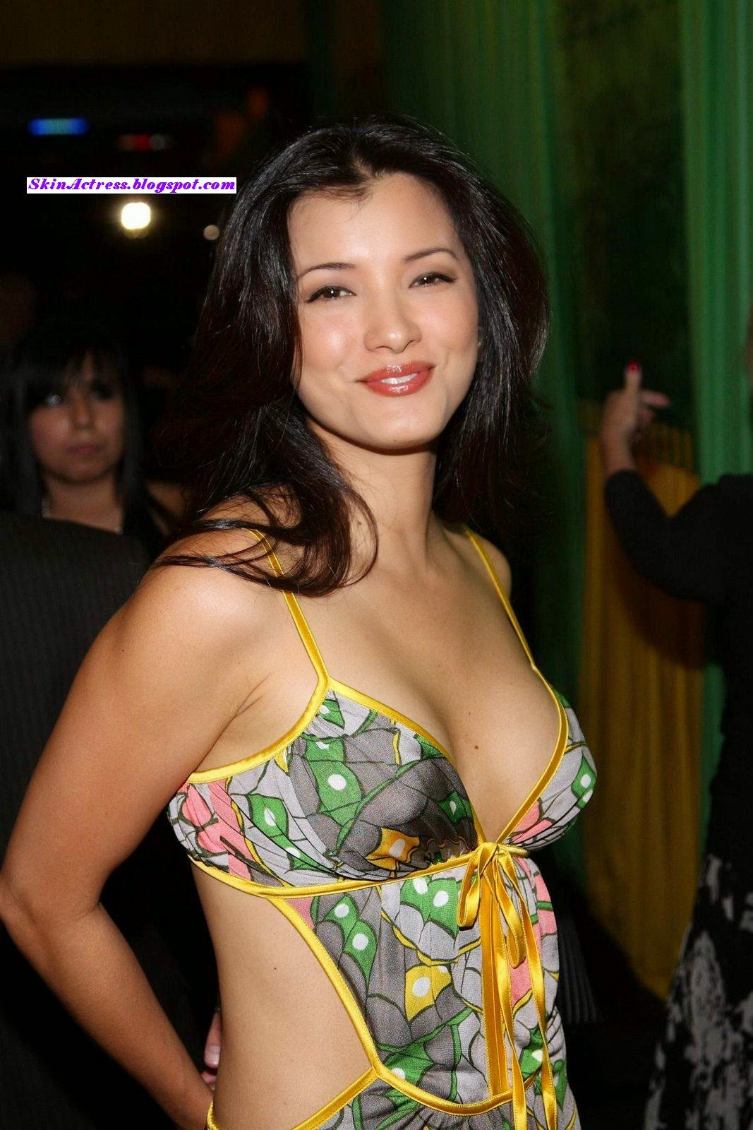 Skin Actress: Kelly Ann Hu showing her huge cleavage hot ...