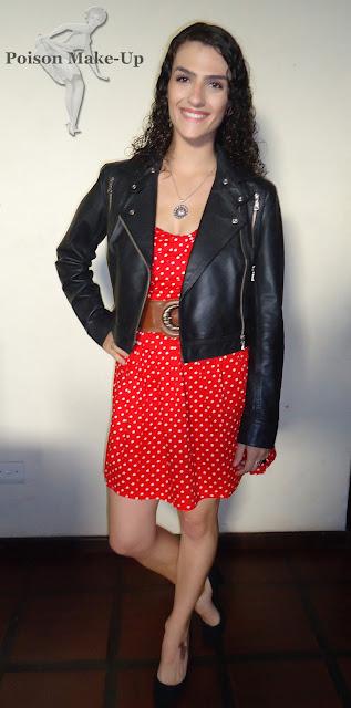 look-fui-assim-vestido-de-bolinhas-vermelhas.