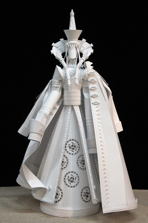 26-Paper-Wedding-Dolls-Asya-Kozina-Paper-Clothing-and-Dolls-www-designstack-co
