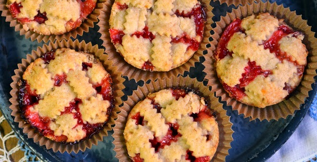 Mini Straberry Rhubar Pies Recipe