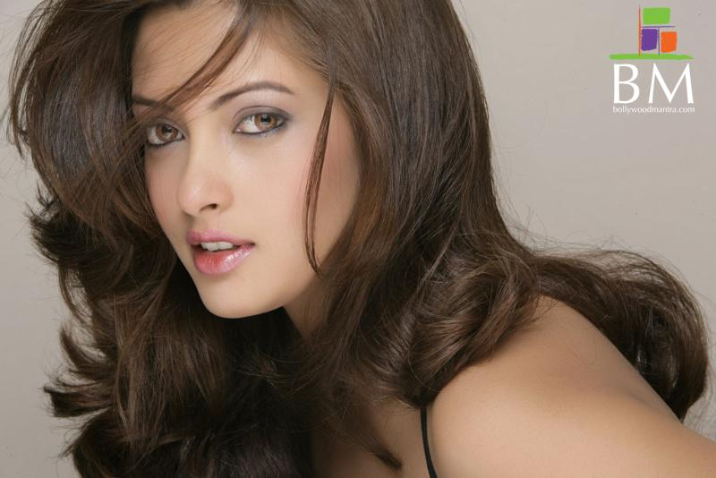 riya sen bikini wallpaper Photo