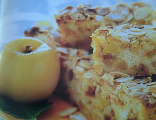 torta alle pesche con amaretti e savoiardi