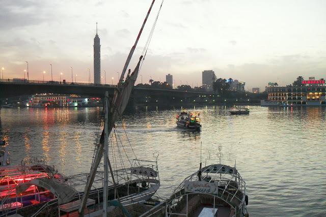 Набережная Каира в сумерках
