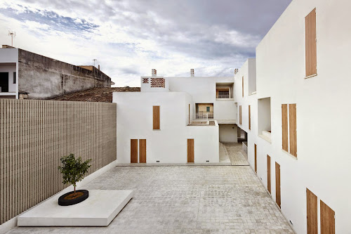 Social Housing by RipollTizon Estudio de Arquitectura