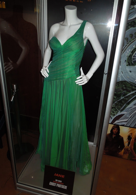 Paula Patton Ghost Protocol movie dress