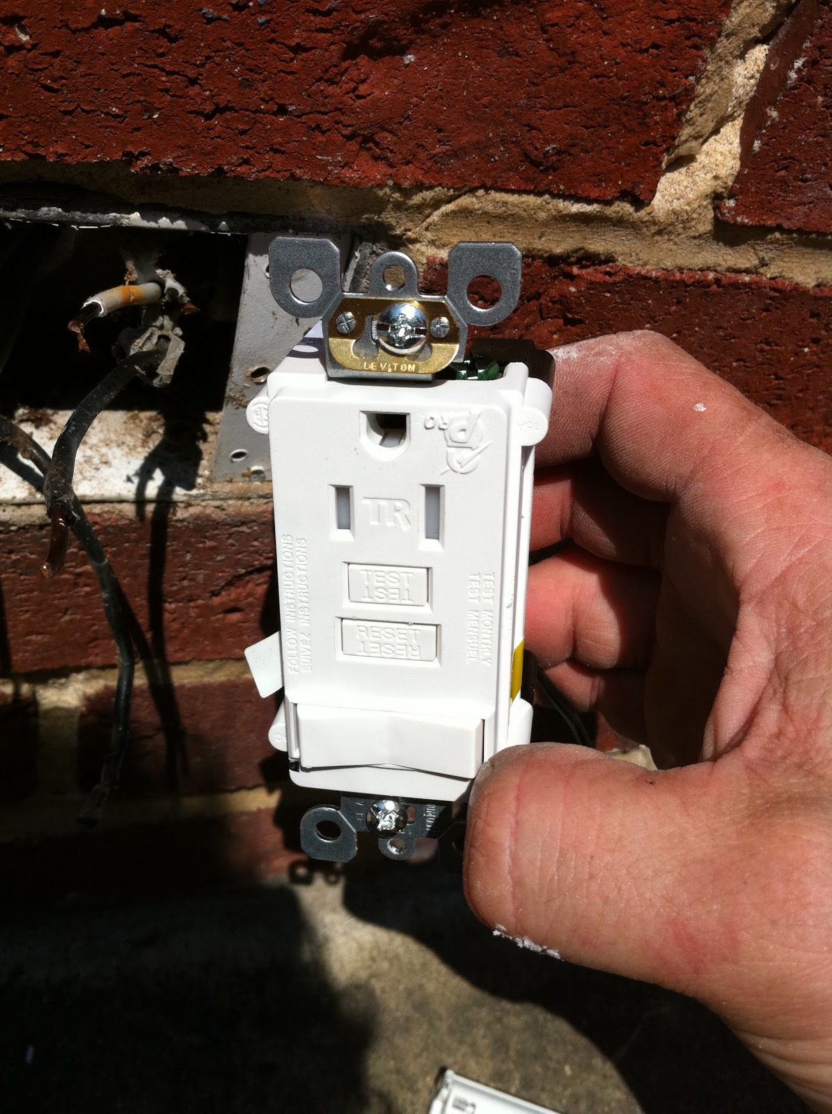 gen3 electric 215 352 5963 wiring a switch gfci combo rh philadelphia electricians how to com From Wiring GFCI Light Switch how to wire a gfci light switch combo