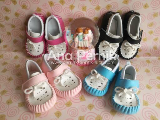 sepatu bayi; sepatu bayi perempuan; sepatu bayi prewalker; sepatu bayi lucu; sepatu bayi konveksi; sepatu bayi murah; sepatu bayi perempuan prewalker; sepatu bayi perempuan umur 6 bulan; sepatu bayi perempuan lucu; sepatu bayi perempuan murah; pernak pernik bayi