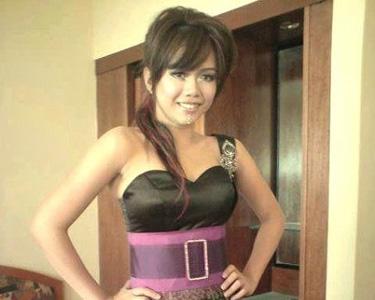http://2.bp.blogspot.com/-4awtGq5ShJ8/UiKdtdAmGvI/AAAAAAABLMY/RJMx2MhGKUU/s1600/Stacy.jpg