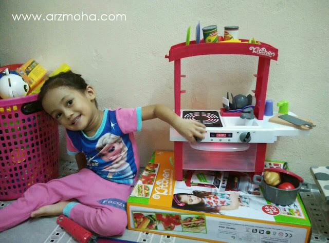 reaksi anak bila dapat mainan, set dapur mainan, mainan anak perempuan, dapur mainan untuk kanak-kanak perempuan,
