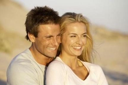 happy marriage - Romantic-couple - صفات الرجل المثالى الذى تتمناه اى فتاة او امرأة