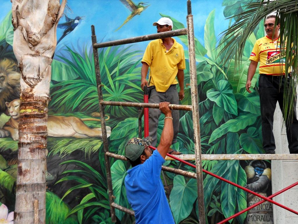 Pinturas cuadros lienzos como preparar pared para mural for Como pintar un mural en la pared exterior